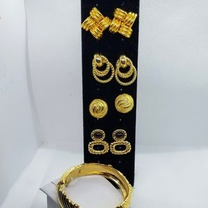 Lot of beautiful 5 Goldtone Jewelry collection